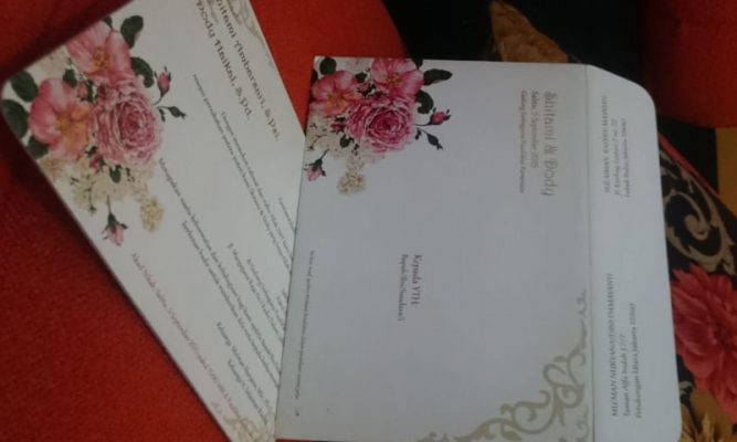 undangan-pernikahan-unik