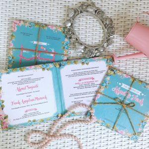 ukuran undangan pernikahan warna biru